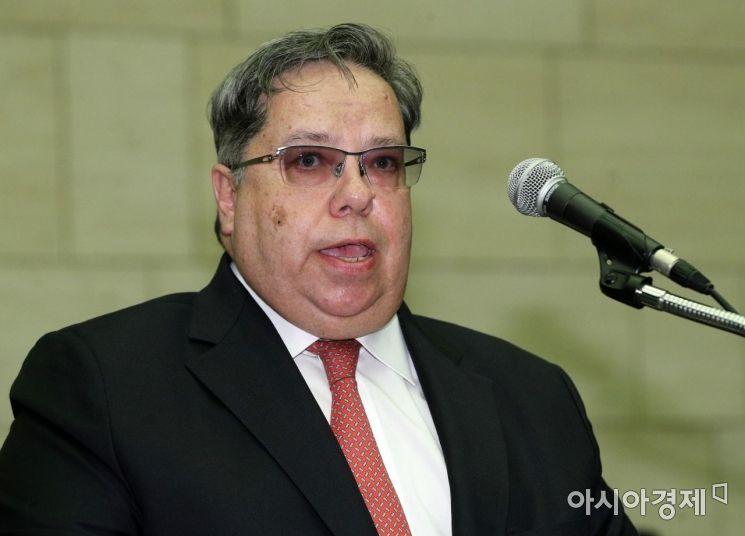 [포토] 축사하는 미하일 본다렌코 주한 러시아 무역대표부 대표