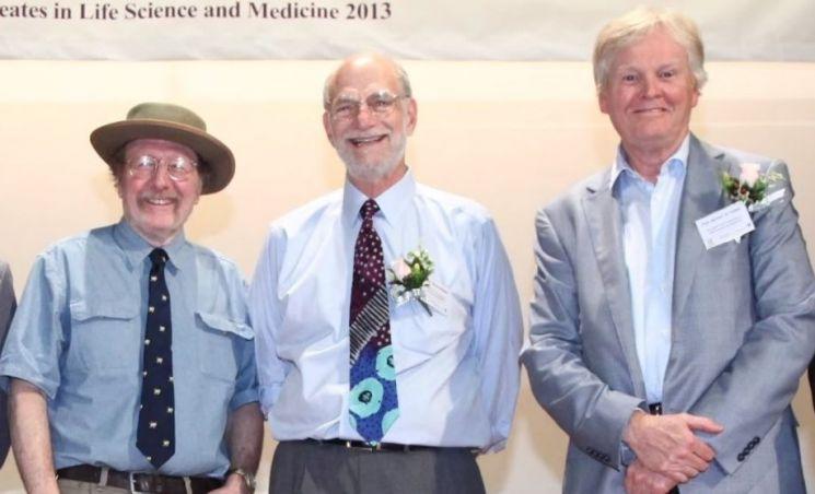 2017년 노벨 생리의학상을 수상한 미국의 과학자들. 왼쪽부터 제프리 C 홀, 마이클 로스배시, 마이클 영 [사진=유튜브 화면캡처]