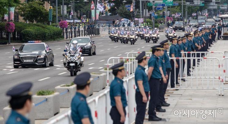 [포토]트럼프 대통령 차량 행렬