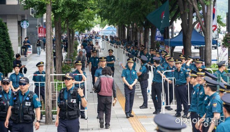 [포토]경계 강화한 경찰