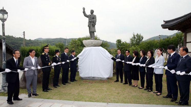 함평군은 지난 28일 일강 김철 선생 기념관 앞에서 함평 출신 독립운동가 일강 김철 선생의 추모식을 거행했다. 사진=함평군