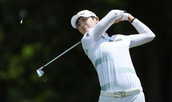 박성현이 월마트 NW아칸소챔피언십 최종일 3번홀에서 티 샷을 하고 있다.