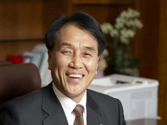 김지완 BNK금융지주 회장. 사진제공=BNK금융그룹