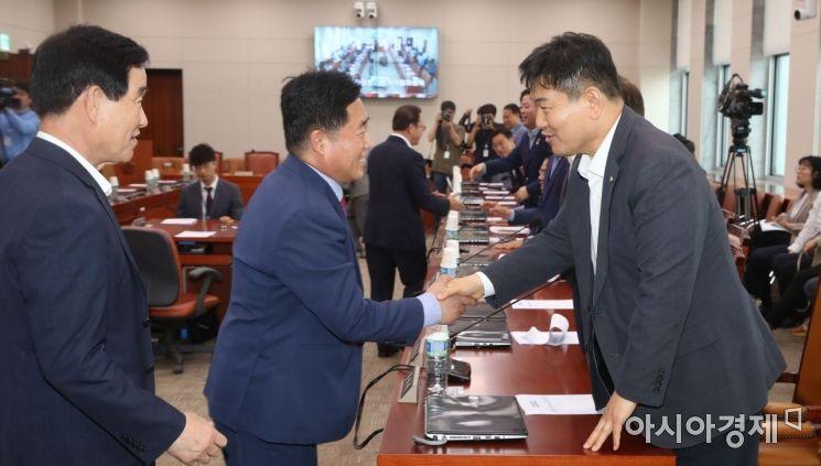 [포토] 자유한국당 상임위 복귀