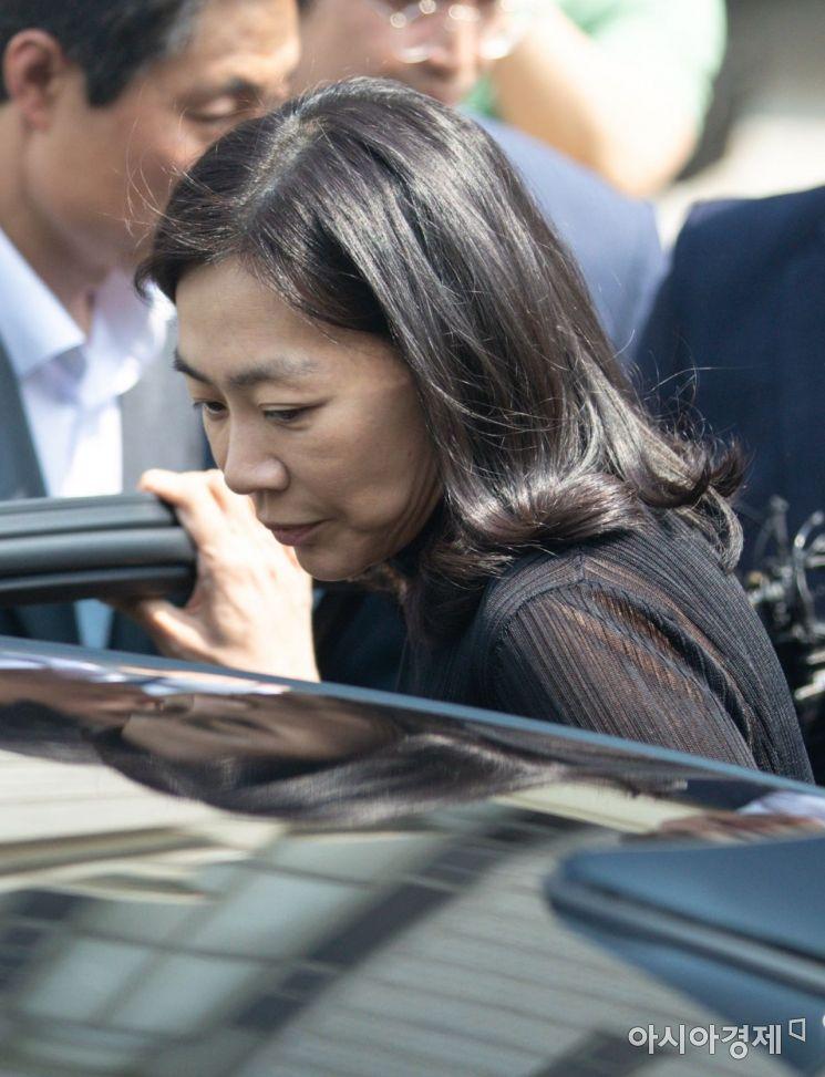 [포토]차량 탑승하는 조현아 전 부사장