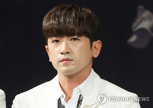 그룹 신화의 이민우. [이미지출처=연합뉴스]