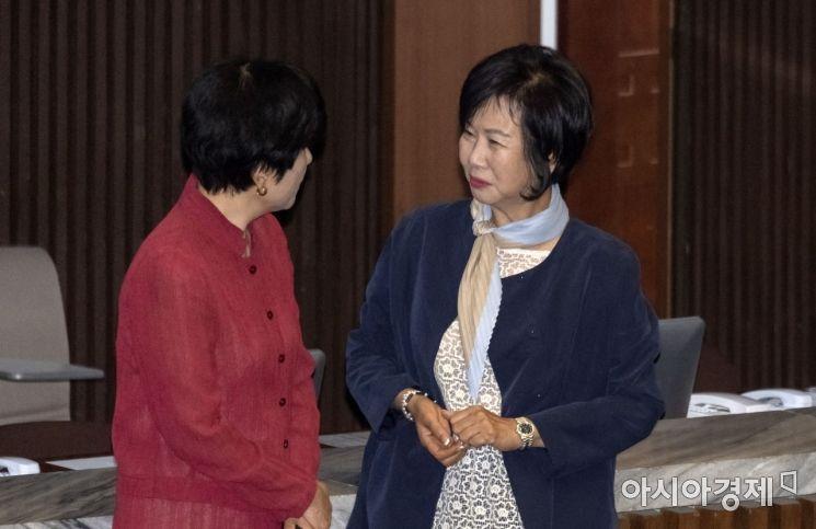 [포토] 본회의 출석한 손혜원 의원