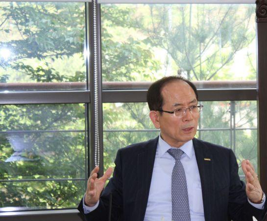 조홍래 한국도키멕 대표(이노비즈협회장)가 일본의 대한국 수출규제에 따른 우려와 해법 등에 대해 이야기를 하고 있다. 사진=이노비즈협회
