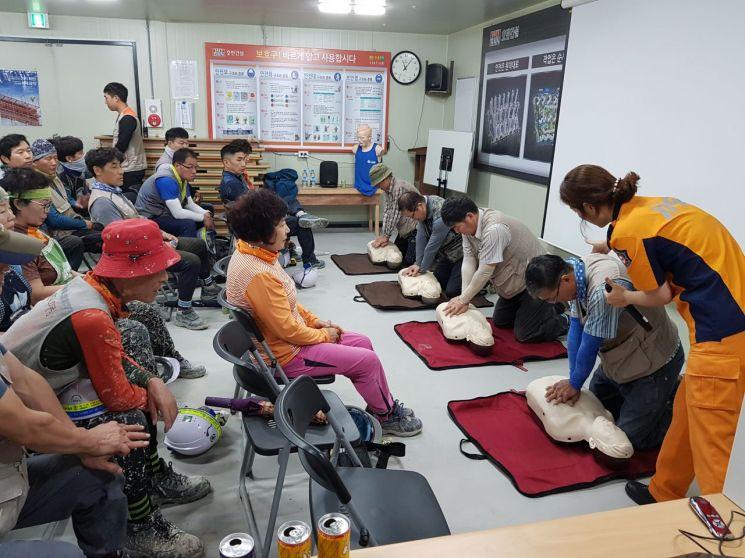 광주 동부소방서, 폭염대비 공사장 근로자 '소방안전교육'