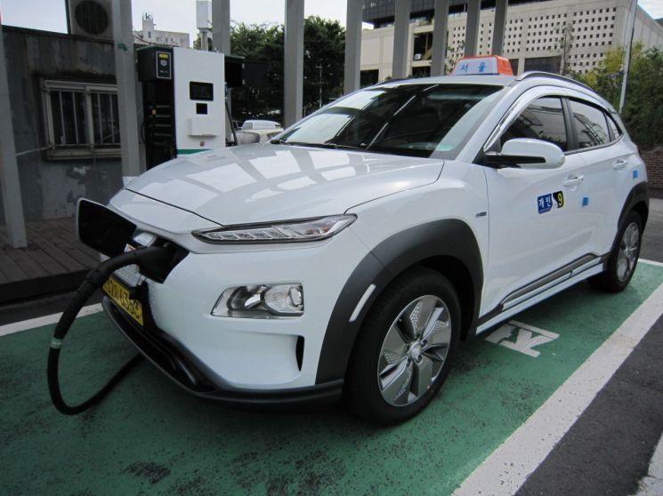 성동구, 태양광 전기자동차 충전소 '솔라스테이션' 운영