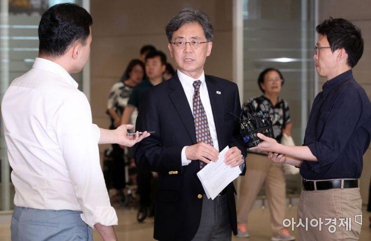 [포토] 방미 결과 설명하는 김현종 국가안보실 2차장