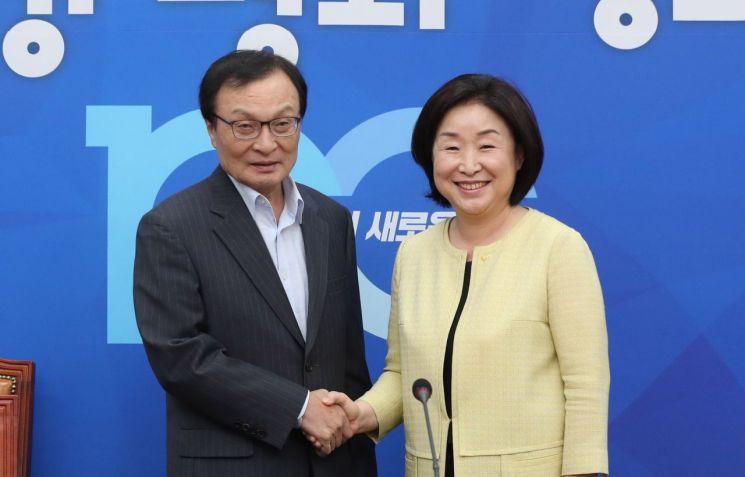 이해찬 더불어민주당 대표(왼쪽)와 심상정 정의당 대표. 사진=연합뉴스