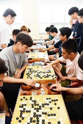 지난해 7월 비금도에서 제6회 신안 천일염 전국 대학생 바둑대회가 개최됐다.(사진제공=신안군)
