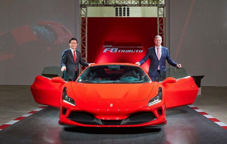 페라리, 8기통 엔진 단 스포츠 모델 'F8 트리뷰토' 국내 출시