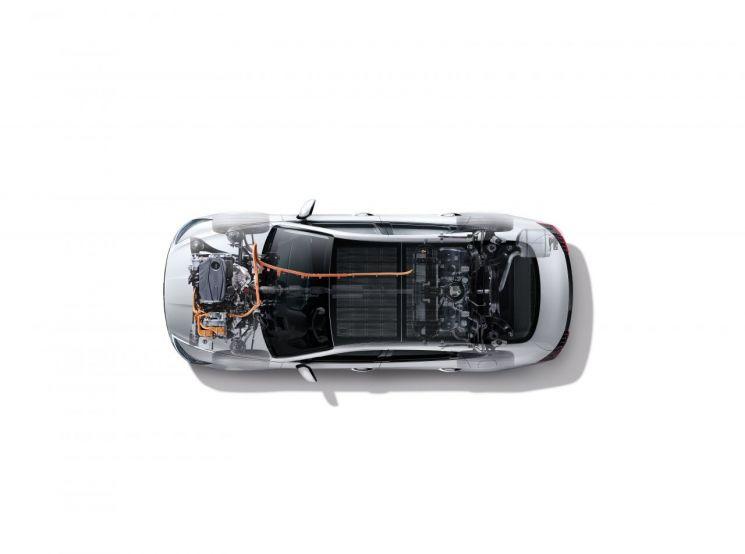 현대자동차그룹이 세계 최초로 개발한 ASC 기술이 적용된 쏘나타 하이브리드 시스템.