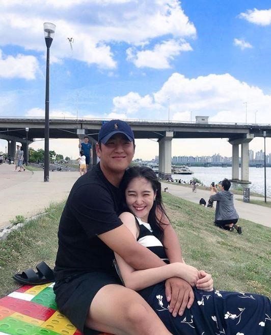 지난 2017년 방송된 채널A 예능프로그램 '하트시그널' 시즌1에 출연했던 김세린(26)이 자신의 인스타그램을 통해 LG트윈스 투수 배재준(25)과의 열애 사실을 공개했다/사진=김세린 인스타그램 캡처