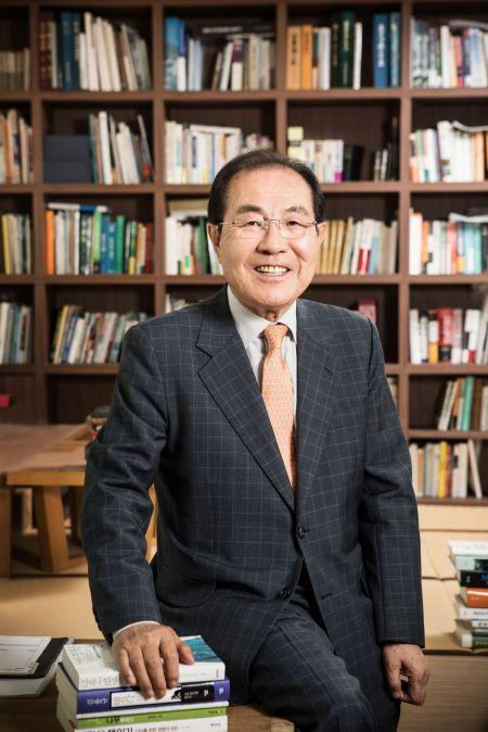 윤동한 한국콜마 회장, 오후 2시 대국민 사과