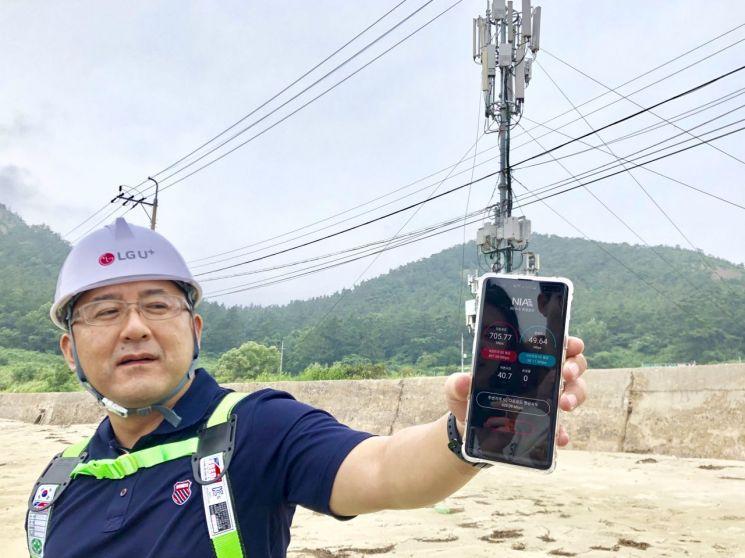 """""""해수욕장서도 5G 터진다""""...LGU+ 기지국 구축 현장"""