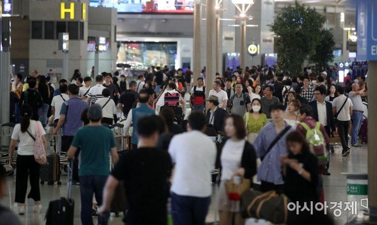 [포토] 여행객들로 붐비는 인천공항