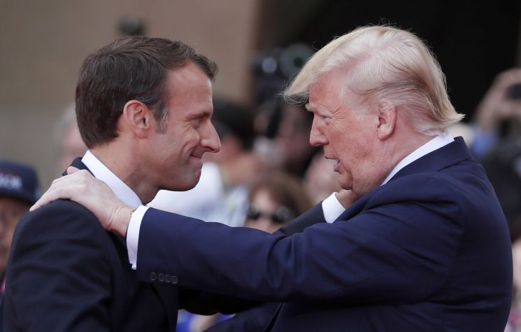 도널드 트럼프 미국 대통령(오른쪽)과 에마뉘엘 마크롱 프랑스 대통령 [이미지출처=AP연합뉴스]