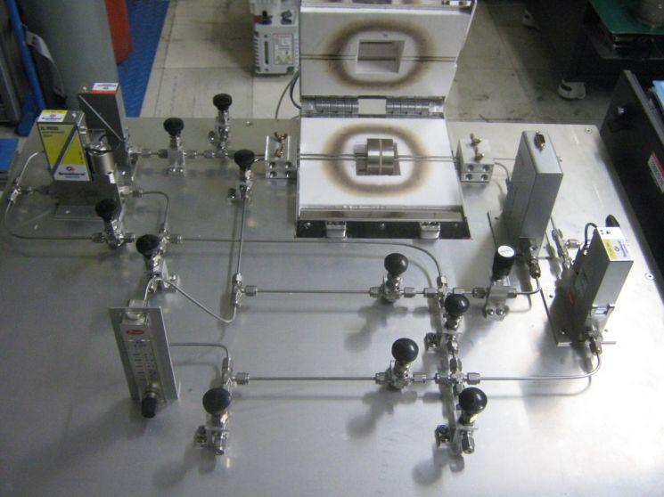 KIST 연구진이 제작한 수소투과도 측정 장치