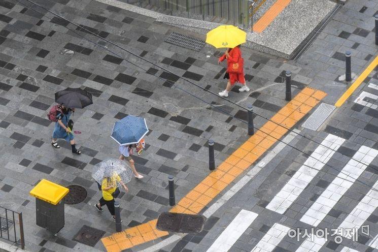 [포토]장마 이어지는 도심