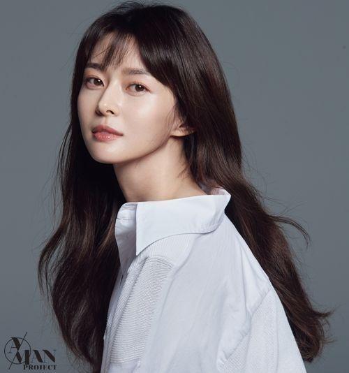 가수 겸 배우 권나라.사진=에이맨프로젝트