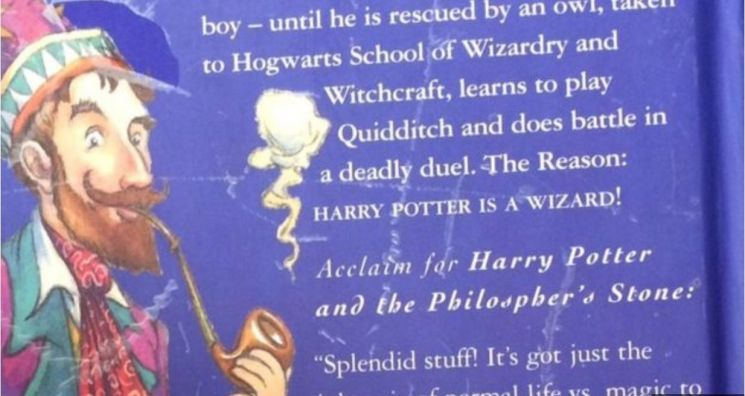 영국에서 발간된 '해리 포터와 마법사의 돌' 초판본의 뒷표지. 책 제목 부분에서 'Philosopher's Stone'로 인쇄됐는데 'Philosopoher'의 오기다.  [사진= 영국 BBC 캡처]