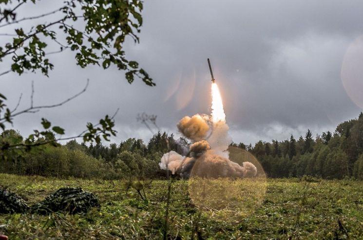 러시아의 이스칸데르-K 미사일 발사 장면 [이미지출처=AP연합뉴스]