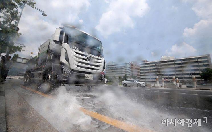 [포토] 종로구, 도로 살수작업