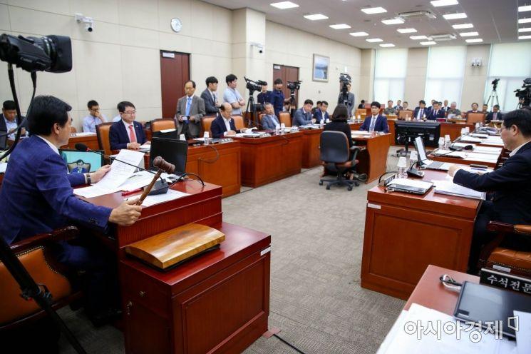 [포토]국회 국방위, '대북결의안' 채택