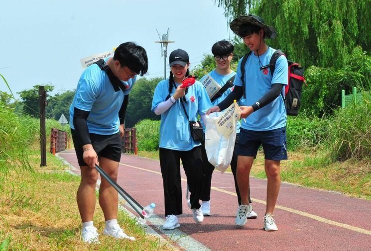 호남대 학생들, 광주천 일대 봉사활동 전개