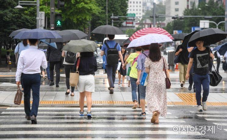 12일 월요일 태풍 '레끼마' 영향으로 전국 흐리고 비