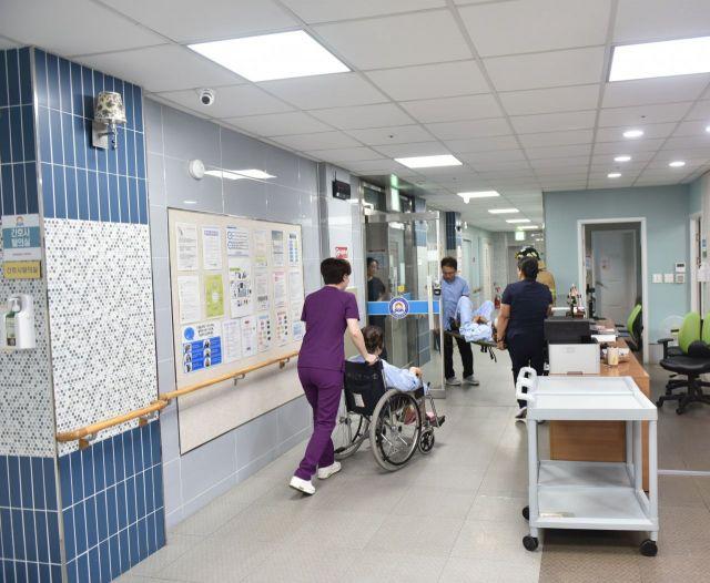 서광요양병원 피난 훈련 모습. 사진=광주 서부소방서 제공