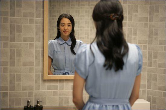 영화 '범죄와의 전쟁'에 출연한 김민주.사진=네이버 영화 스틸 컷