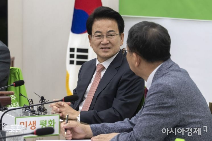 [포토] 한·일관계 간담회 참석한 정동영 대표
