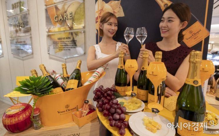 [포토] 신세계百, 최대 규모의 와인 행사 시작