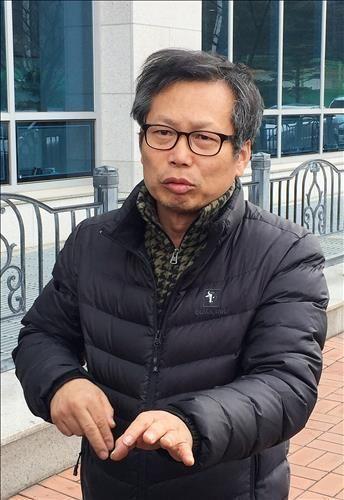지난 2016년 1심 선고 뒤 입장을 밝히는 배우 이상희씨/사진=연합뉴스