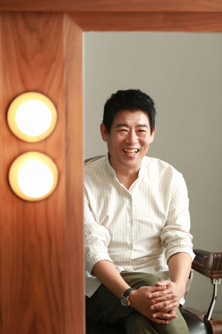 """[인터뷰③]'변신' 성동일 """"배우 게으르면 안 돼, 꾸준히 운동ing"""""""