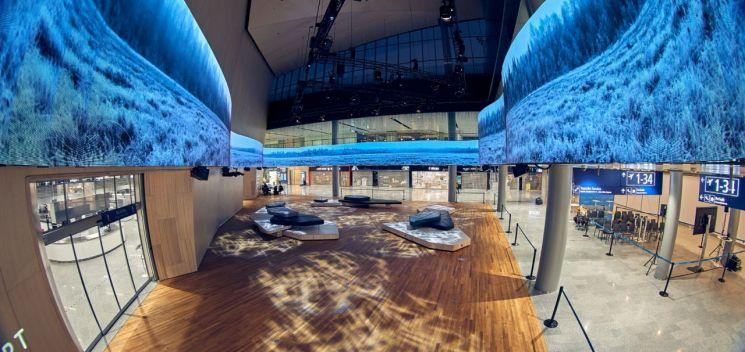 삼성전자, 헬싱키공항에 초대형스마트 LED 사이니지 설치