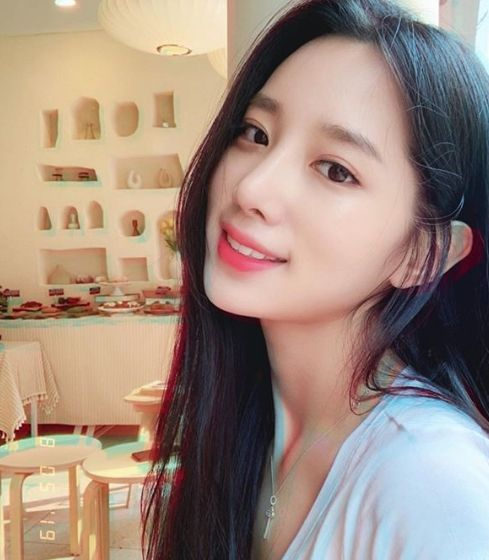 걸그룹 비주얼 신흥 강자 조현 '저장 필수'