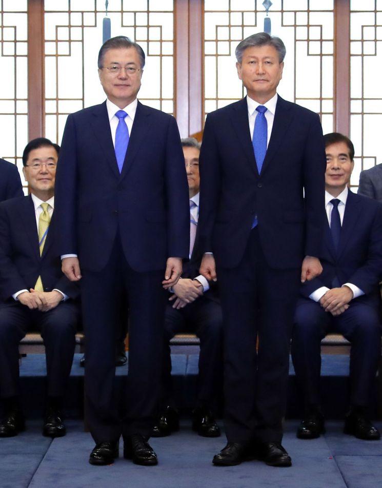 文대통령, 박삼득 신임 보훈처장 임명장 수여