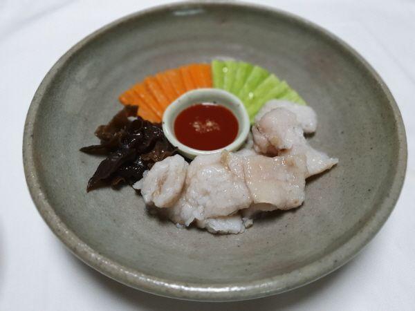[한국의 맛] 흰 살 생선으로 만드는 담백한 고급음식 '어채'