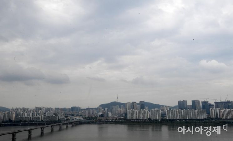 [포토] 태풍 북상중, 잔뜩 흐린 서울 하늘