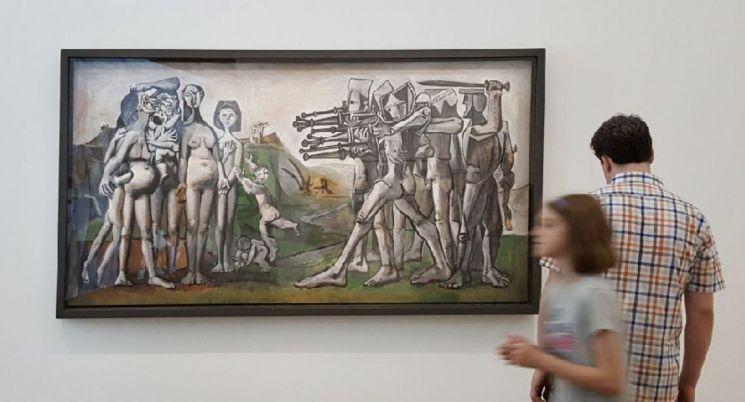 파블로 피카소 '한국에서의 학살', 1951년(합판에 유채·110×210㎝·피카소미술관·프랑스 파리)