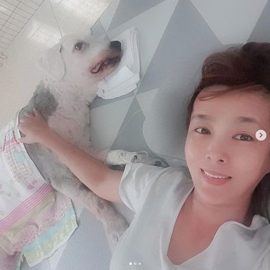 배우 김원희와 반려견 곱단이 / 사진=김원희 인스타그램 캡처