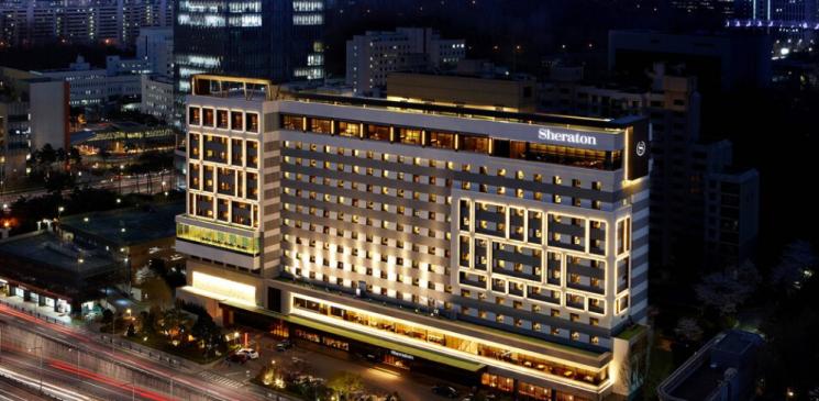 쉐라톤서울 팔래스 강남 호텔 야간 전경