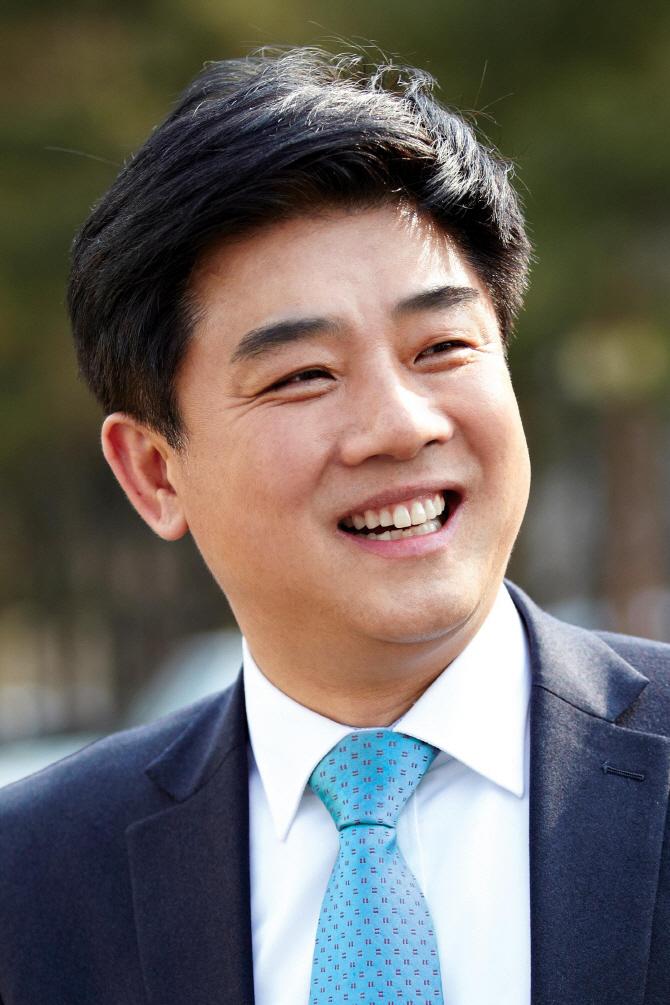 """김병욱 """"서울대 수시합격생 평균 봉사활동 139시간"""""""