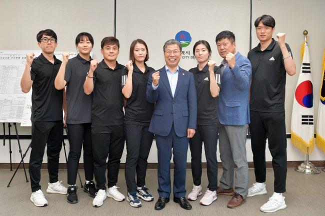 [포토] 광주 서구, 펜싱팀 격려