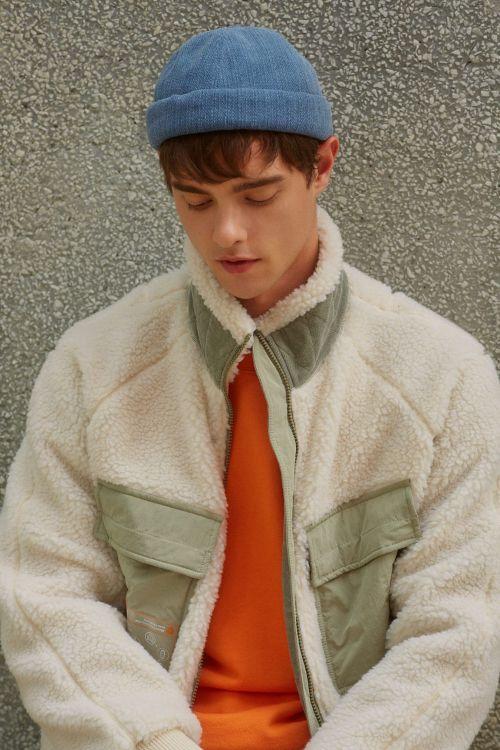 """""""예쁜데 착한 옷"""" 나우, 페트병으로 만든 친환경 재활용 재킷"""
